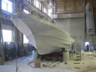 ルアー船建造中